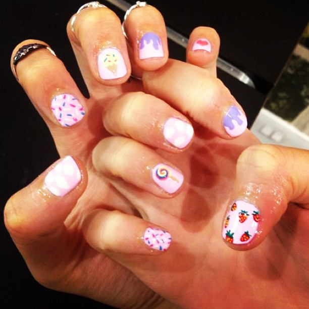 Top 3 nail art instagram accounts to follow the dumbbelle for 24 hour nail salon nyc