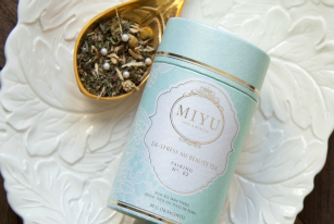 Sip Pretty: Teas With Beauty Benefits